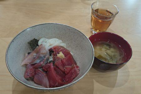【本日のランチ】海鮮丼